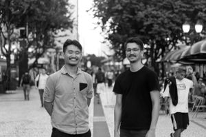 Alexandre Kenji Okabaiasse e Vitor Jun Takahashi