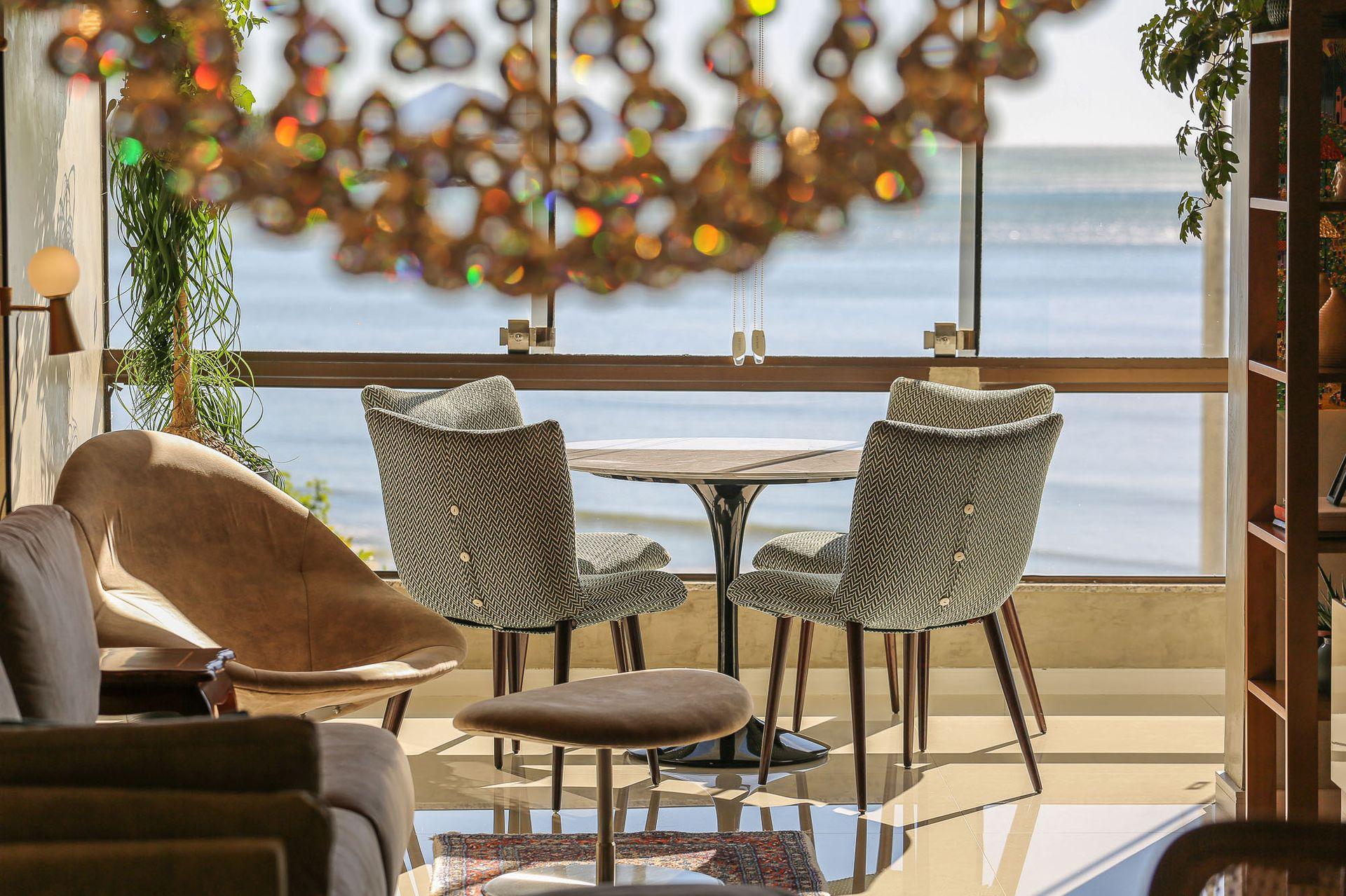 Reforma de apartamento de 120m² à beira-mar